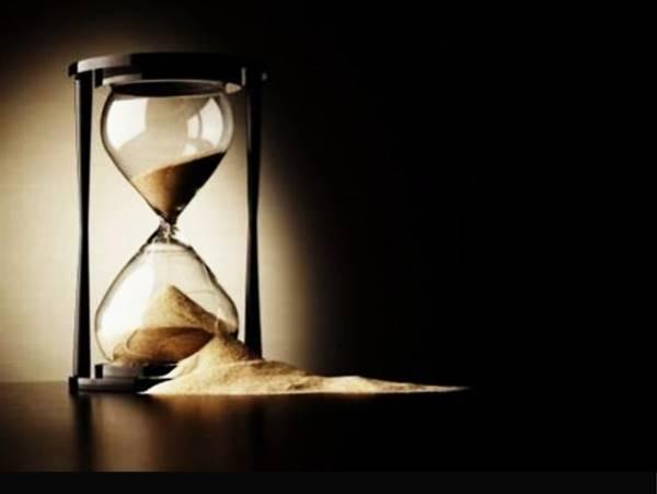 zerafet9-Yarindan-cekinmenin-nedeni-simdiki-zamani-insa-etmeyi-bilmemektir-ve-simdiki-zamani-insa-etmek-bilinmeyince-bunun-yarin-yapilabilecegi-soylenir.