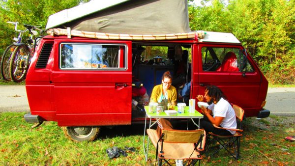 livin4wheel-karavan-yemek