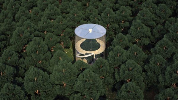 tubular-glass-tree-house-aibek-almassov-masow-architect