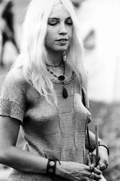 woodstock-women-fashion-1969-511__880