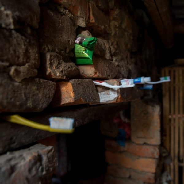 anna_rosling_ronnlund_toothbrushes_nepal