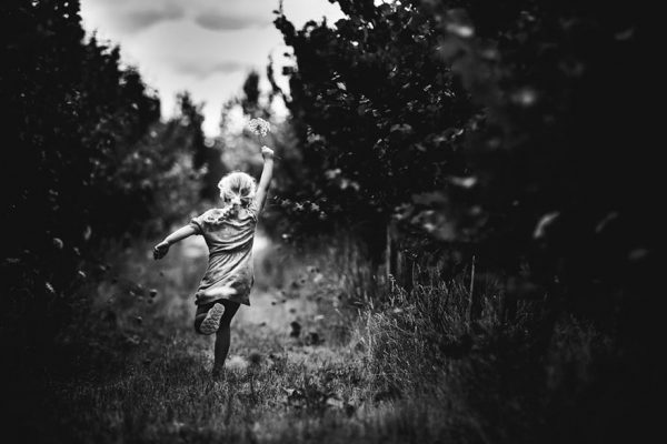 raw-childhood-without-electronic-devices-niki-boon-new-zealand-26