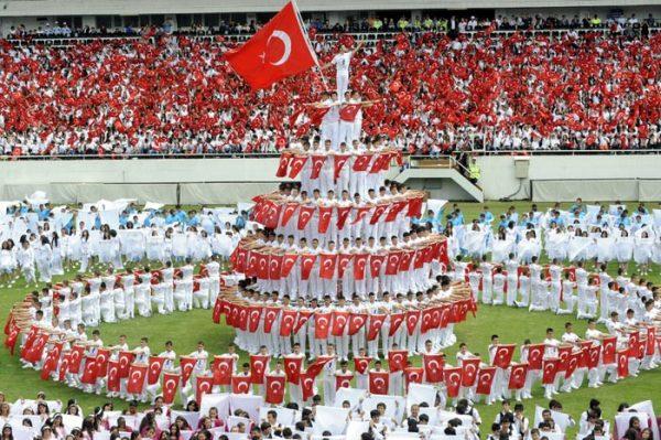 12.Ey Türk istikbalinin evlâdı! İşte, bu ahval ve şerâit içinde dahi, vazifen_