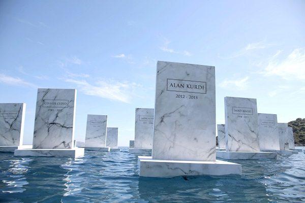 The_Sea_Cemetery_02