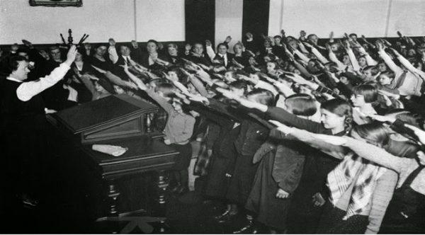 3.  Nazilerden Kaçan Hocalardan Dersler