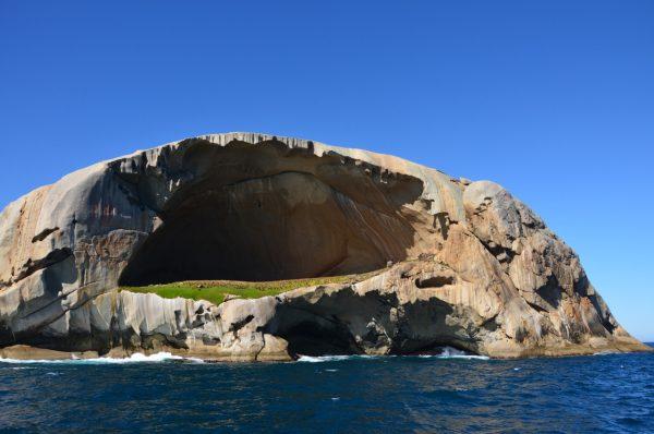 5. Cleft Adası