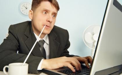 6-Dedikodu-her-yerde-Ofisteki-mal-elemanin-IQsu-mu-EQsu-mu-daha-dusuk