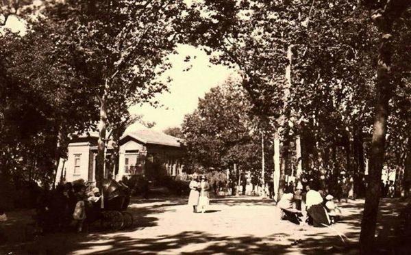8-gezi-parki-eski-istanbul