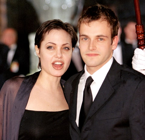 Angelina Jolie ve Jonny Lee Miller