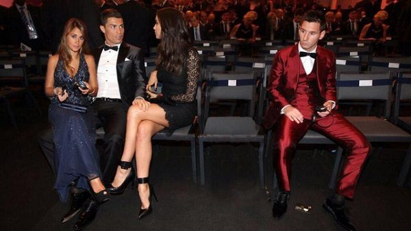 Cristiano-Ronaldo-Lionel-Messi-and-girlfriends-photoshopped