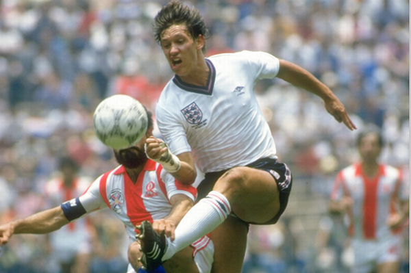 Gary-Lineker-playing-for-England