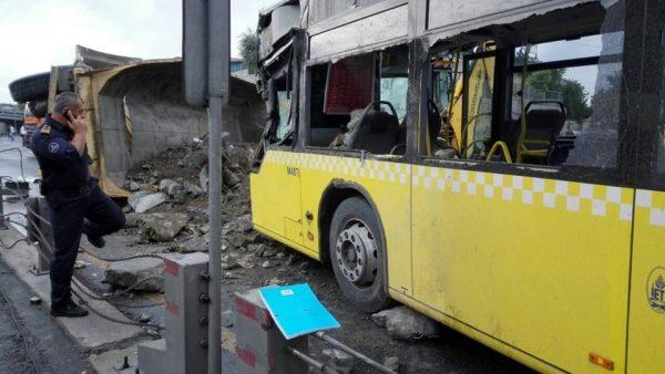metrobus-hafriyat-kaza