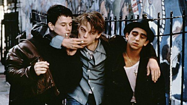 sigara-arkadaş-genç