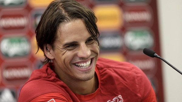 Switzerland's soccer team goalkeeper Yann Sommer smiles during a news conference in Vilnius, Lithuania, June 13, 2015. Switzerland will play a Euro 2016 qualification match against Lithuania in Vilnius on Sunday. REUTERS/Ints Kalnins