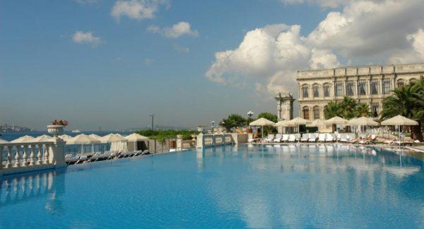 2-ciragan-palace-havuz