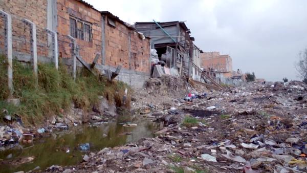 2-plastiklerden-evsizlere-ev