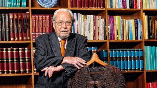 6. Dünyada Sosyal Bilimler Alanında Sayılı 2000 Bilim Adamından Biri