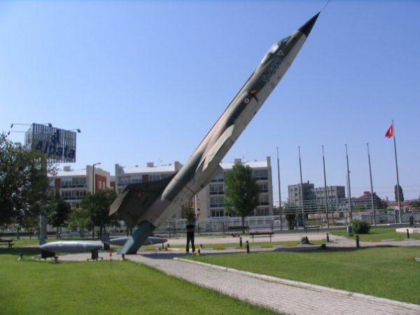 Eskişehir 1. Ana Jet Üs Komutanlığı