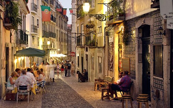 portugal-street-umbrella