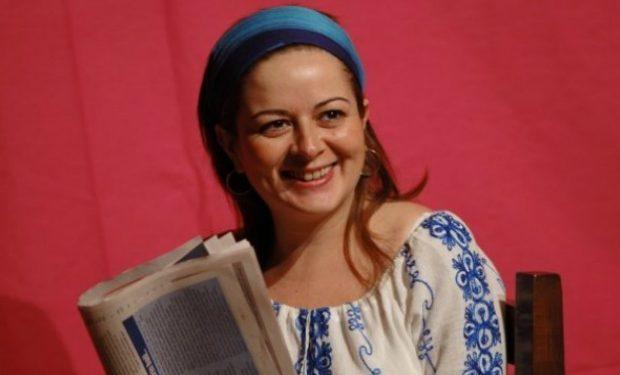 Annesizlikten şair Olmuş Bir Kadın Didem Madak Ve Onun Inceliklerle