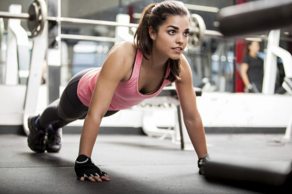 01 egzersiz yapan kadınlar
