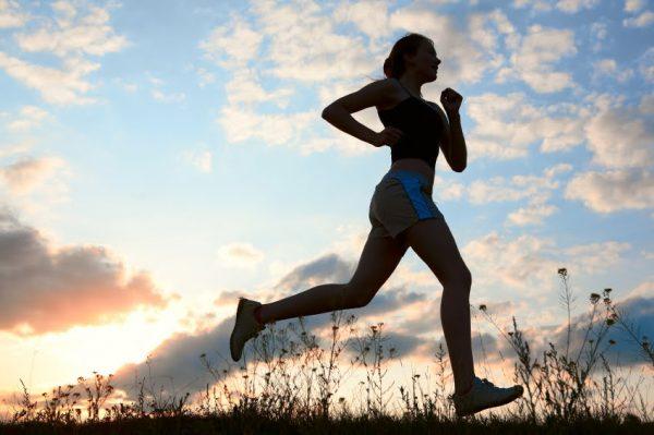 012 egzersiz yapan kadınlar
