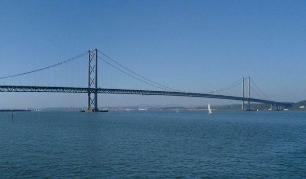 027 Forth_Road_Bridge