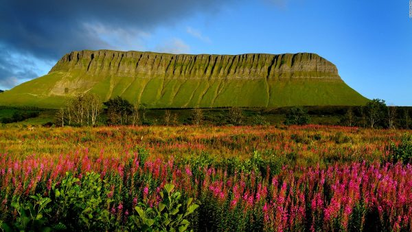 03Benbulben in the Dartry Mountains in Ireland