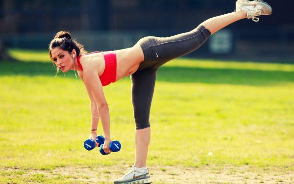 04 egzersiz yapan kadınlar