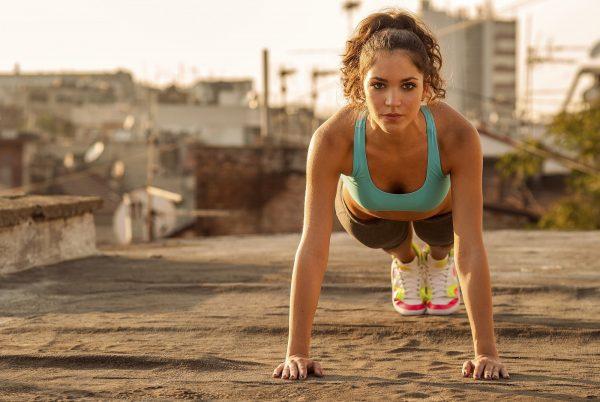 05 egzersiz yapan kadınlar