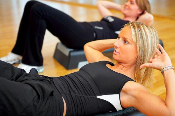 09 egzersiz yapan kadınlar