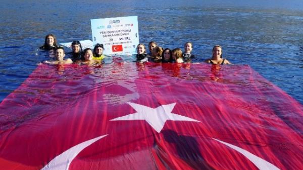 """5. """"Cumhuriyet, yüksek ahlâkî değer ve niteliklere dayanan bir idaredir. Cumhuriyet fazilettir."""" Mustafa Kemal Atatürk"""