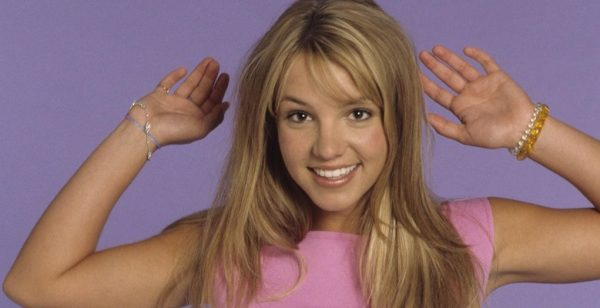 (EXCLUSIVE COVERAGE – PREMIUM RATES APPLY)  Britney Spears poses during a portrait session on May 1, 1999 in Los Angeles, California.