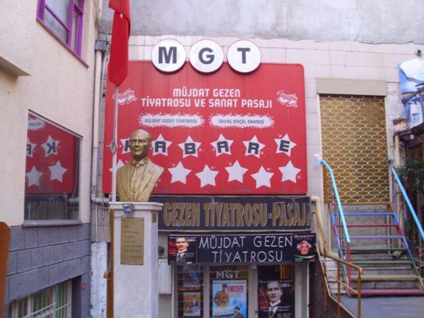 mujdat-gezen-tiyatro