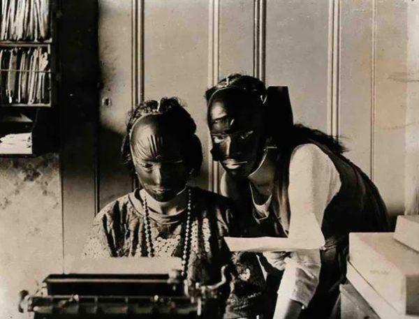 vintage-beauty-salon-equipment-11