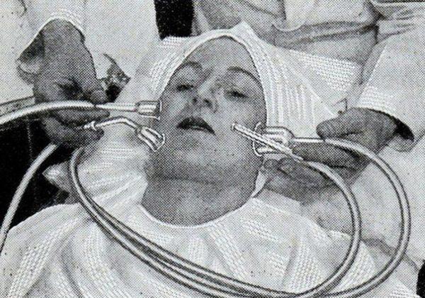 vintage-beauty-salon-equipment-13