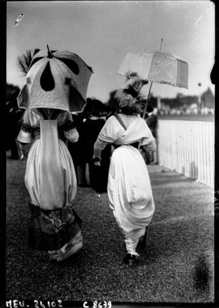 1912 Hobble skirts and parasols