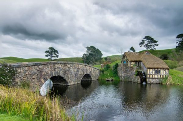 Hobbiton-mill-and-double-arched-bridge.-Photo-Credit-1-640x424