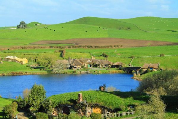 The-most-picturesque-private-farmland-near-Matamata.-Photo-Credit-1-640x427