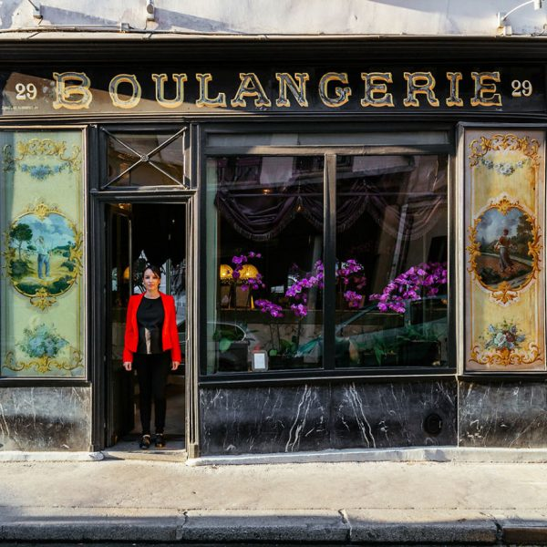 The-story-behind-these-iconic-parisian-storefronts-5809c9387d62f__880