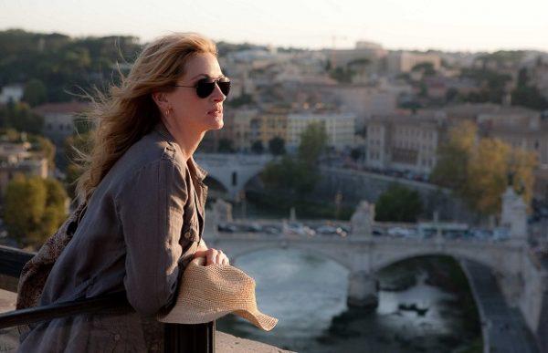"Julia Roberts as ""Liz Gilbert"" in Italy in Columbia Pictures' EAT, PRAY, LOVE."