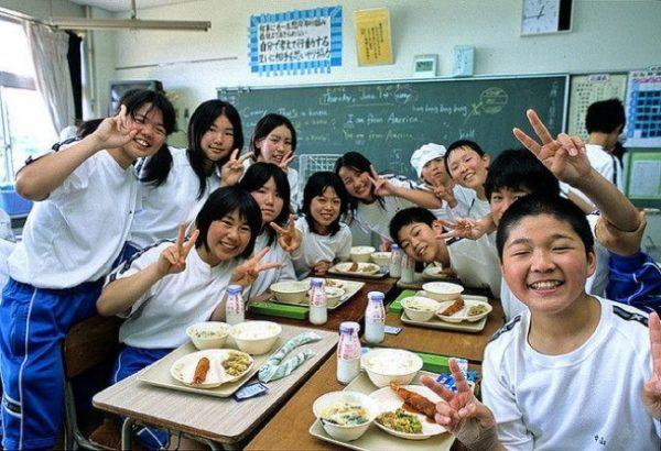 japon-okulu-ogle-yemegi