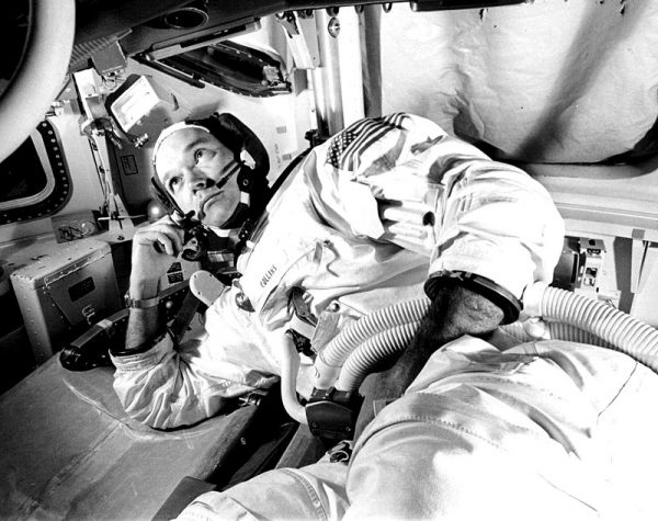 michael_collins_training_apollo_11