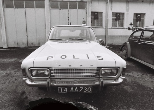 polis-arabası-17