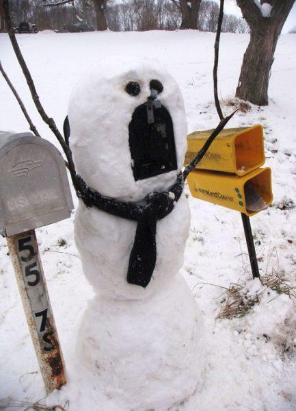 creative-snowman-ideas-7-5853c57ae3dfb__605
