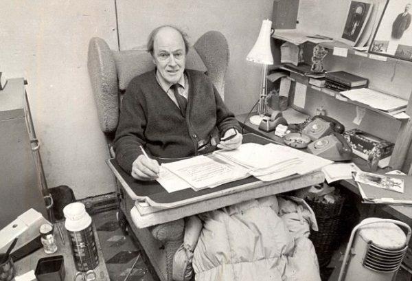 PKT3044-208285 1979 Roald Dahl.