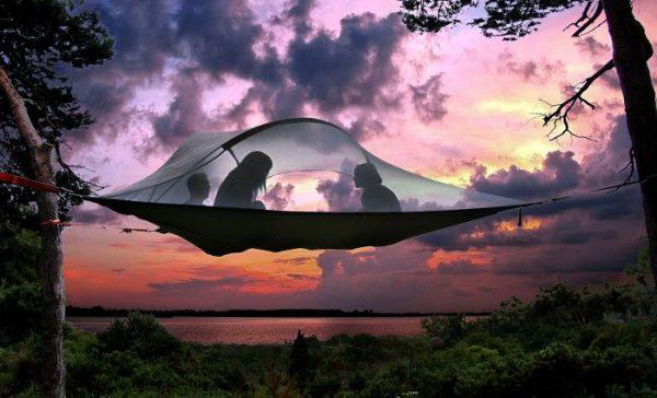 wanderlust-traveler-gift-ideas-6-582c6257685ab__700