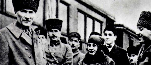 13. Mustafa Kemal'le birlikte