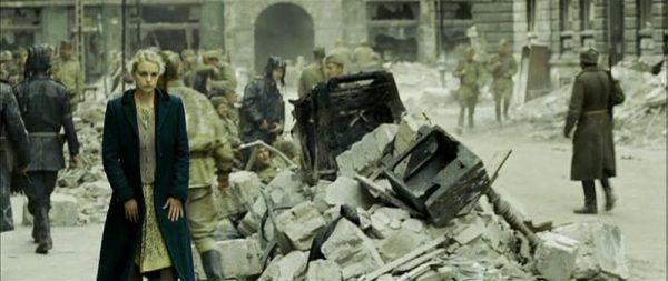 6. Dükkana gelen Rus askerler
