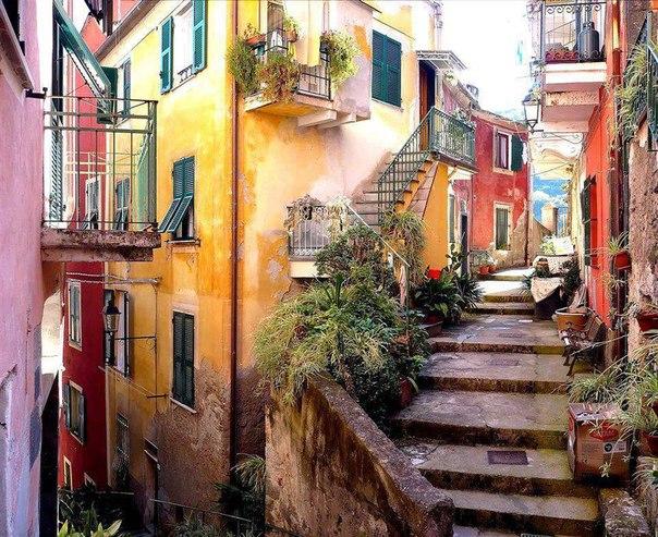 Cinque_Terre_monterosso-gezilecek